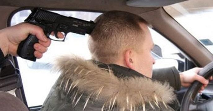 Policejskimi-po-goryachim-sledam-raskryto-razbojnoe-napadenie-na-taksista.jpg